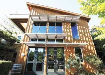The Carlton Winemakers Studio, a LEED building, has been recognized for its outstanding innovation and design.