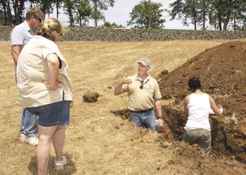 SOWI director and viticulture instructor Chris Lake teaches students about soil and terroir.